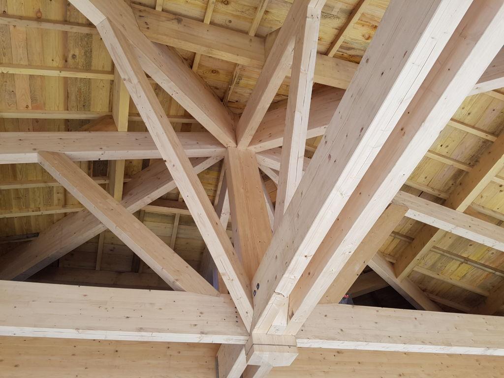 Ecole - charpente mixte lamelé collé et bois massif - 1