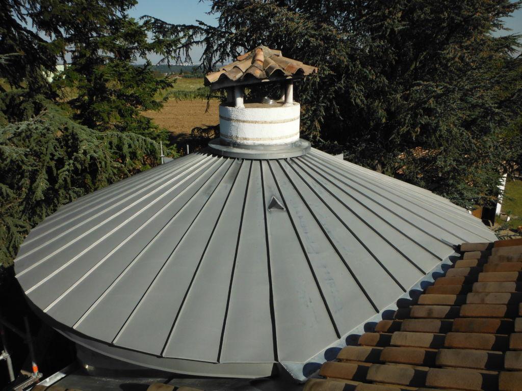 particulier - couverture d'une tour en zinc à joint debout gironné - 1
